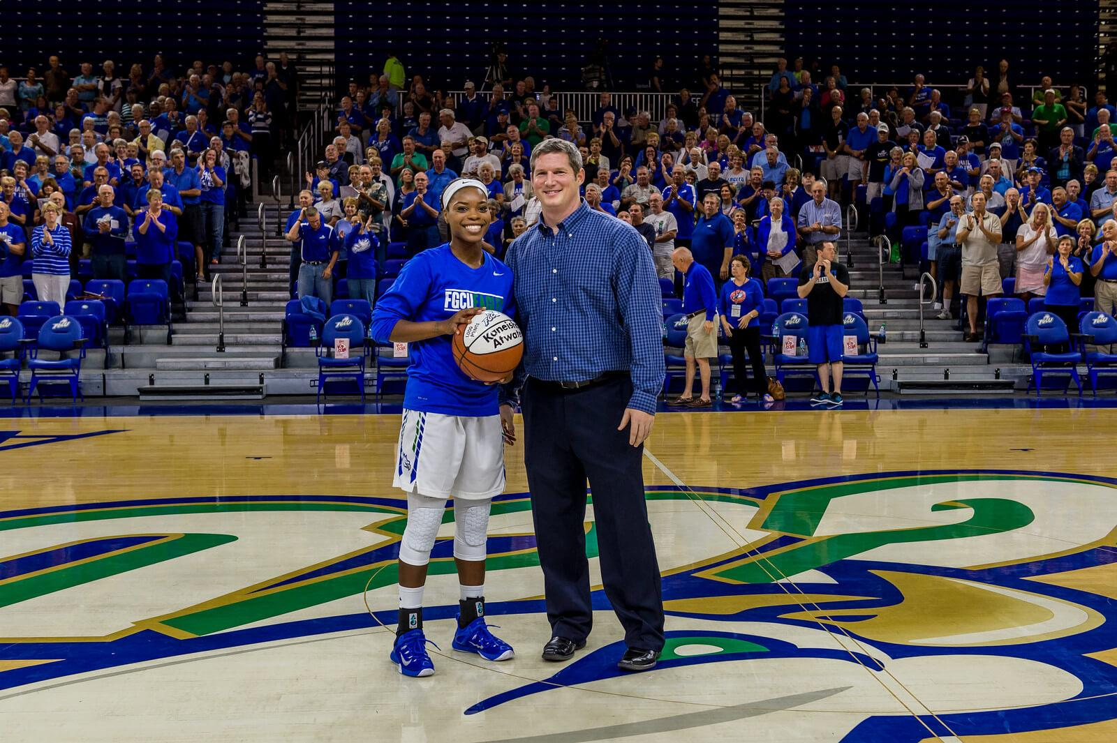 Single mother and star point guard Kaneisha Atwater scores 1,000th point