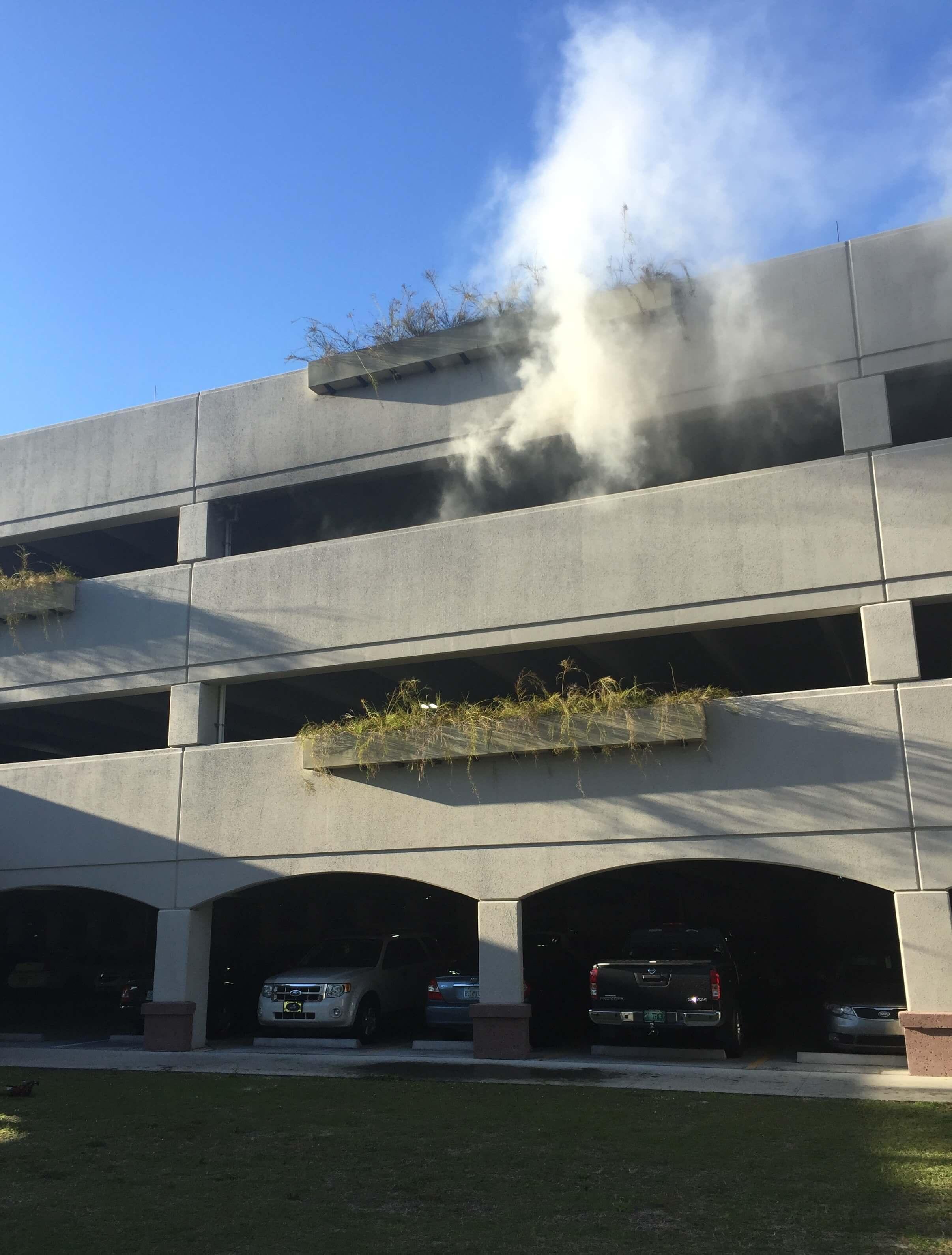 Smoke Parking Garage : Vehicle fire breaks out in fgcu parking garage
