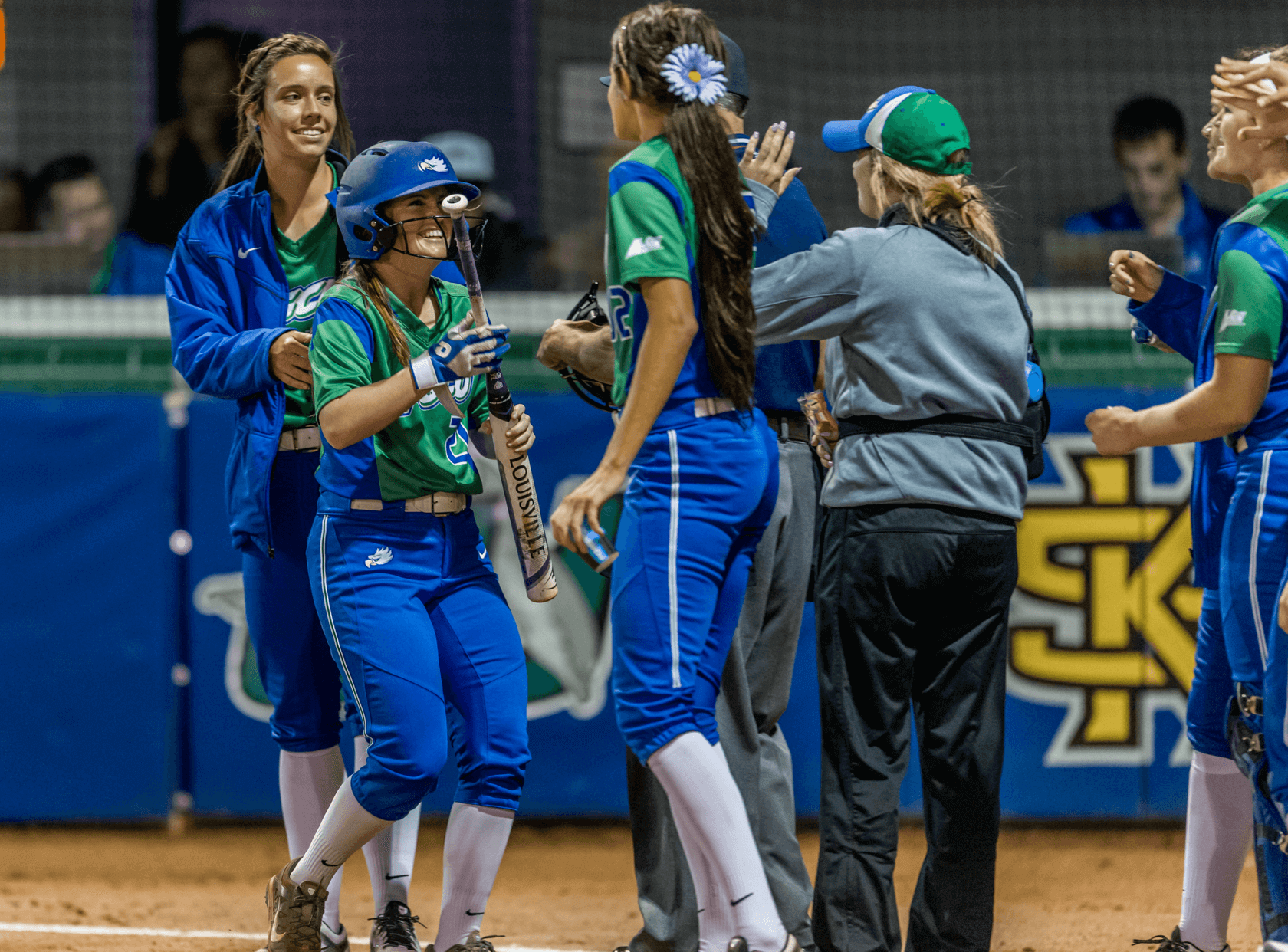 Softball takes weekend series against Stetson
