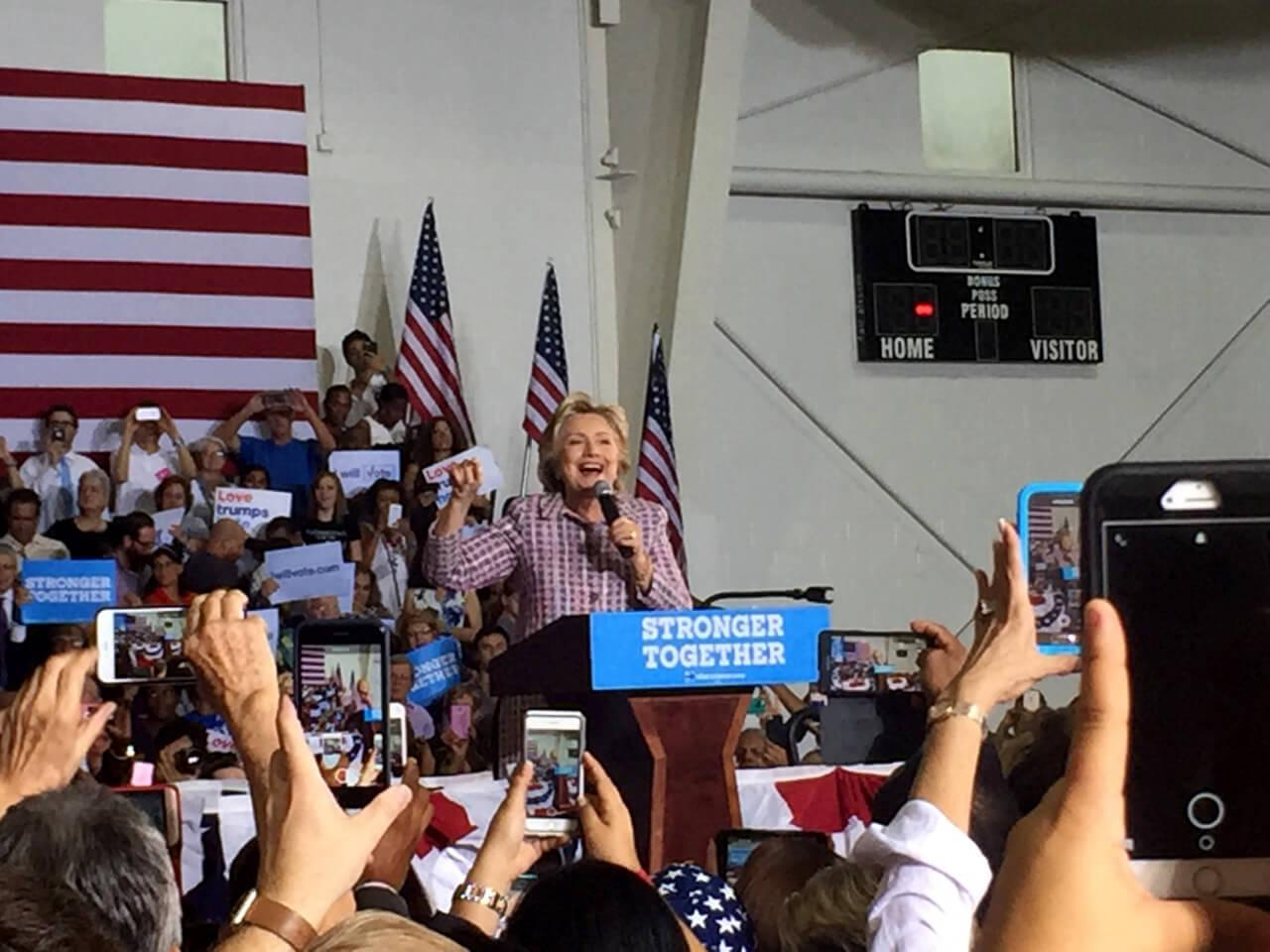 Clinton hosts rally in Fort Pierce