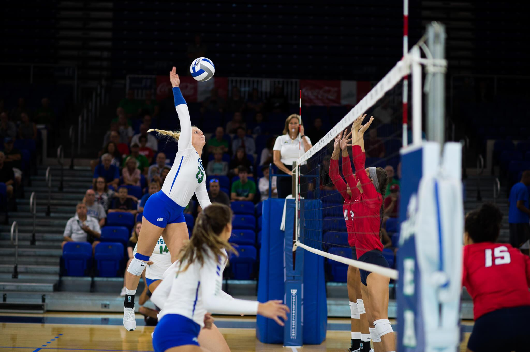 FGCU volleyball wins its fourth straight over FIU in straight sets