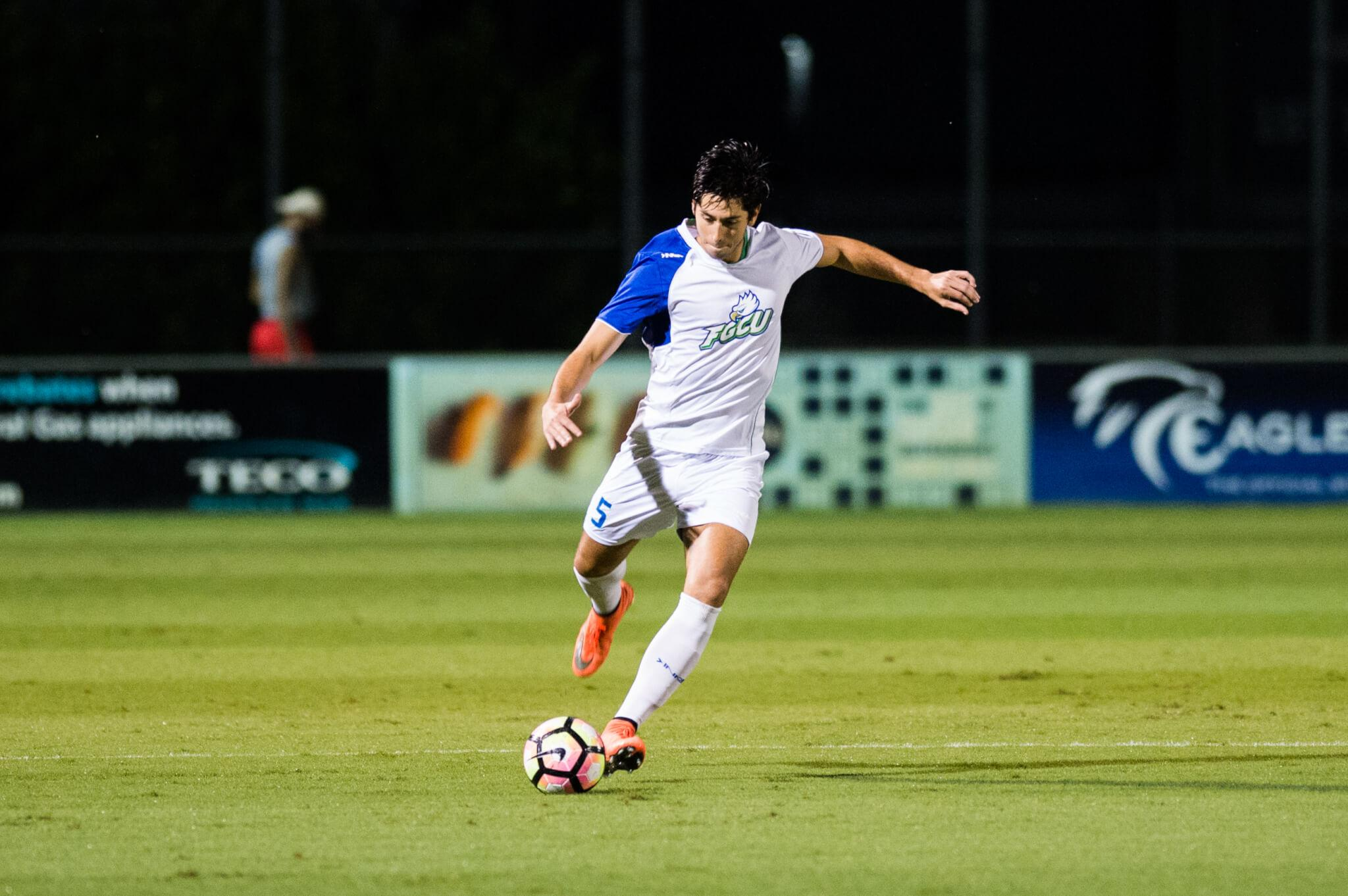 Eagles shutout FAU in final regular season match