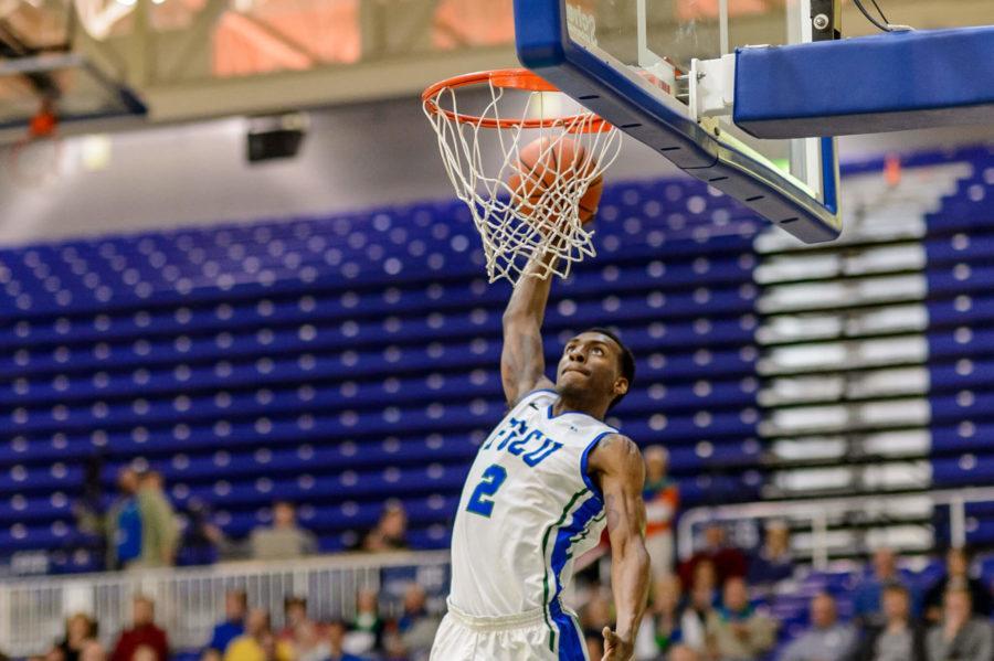 FGCUs Bernard Thompson dunks. (Photo: Linwood Ferguson)