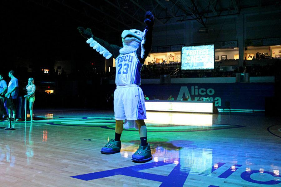 Azul claims back-to-back mascot cups with comeback win
