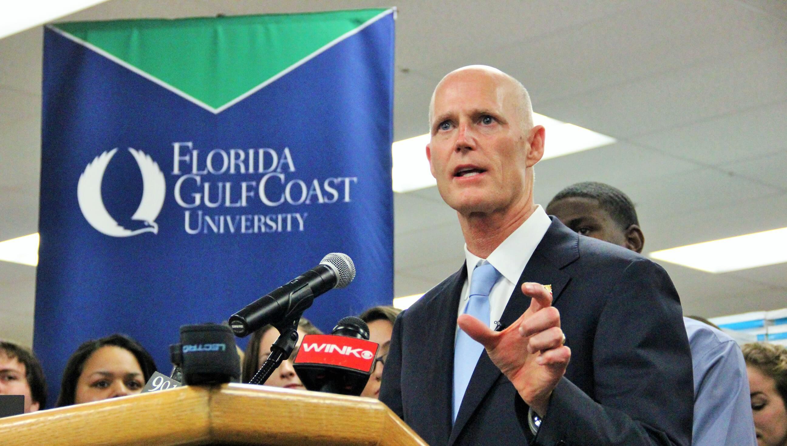 Gov. Scott talks cheap books, Bright Futures at FGCU