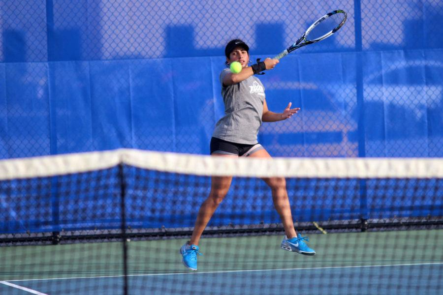 FGCU+women+face+difficult++battles+on+the+road