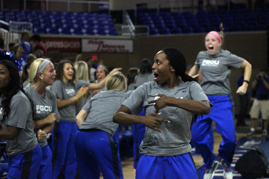 DyTiesha Dunson and the rest of the women's basketball team reacts to hearing they will be playing Oklahoma State again in the opening round of the NCAA Tournament. (EN Photo / Kelli Krebs)