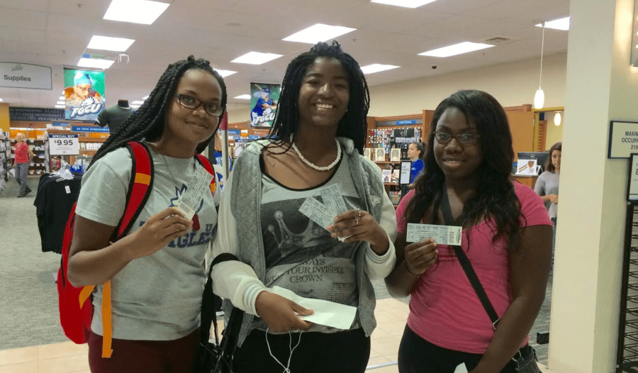 Students line up early for Eaglepalooza tickets