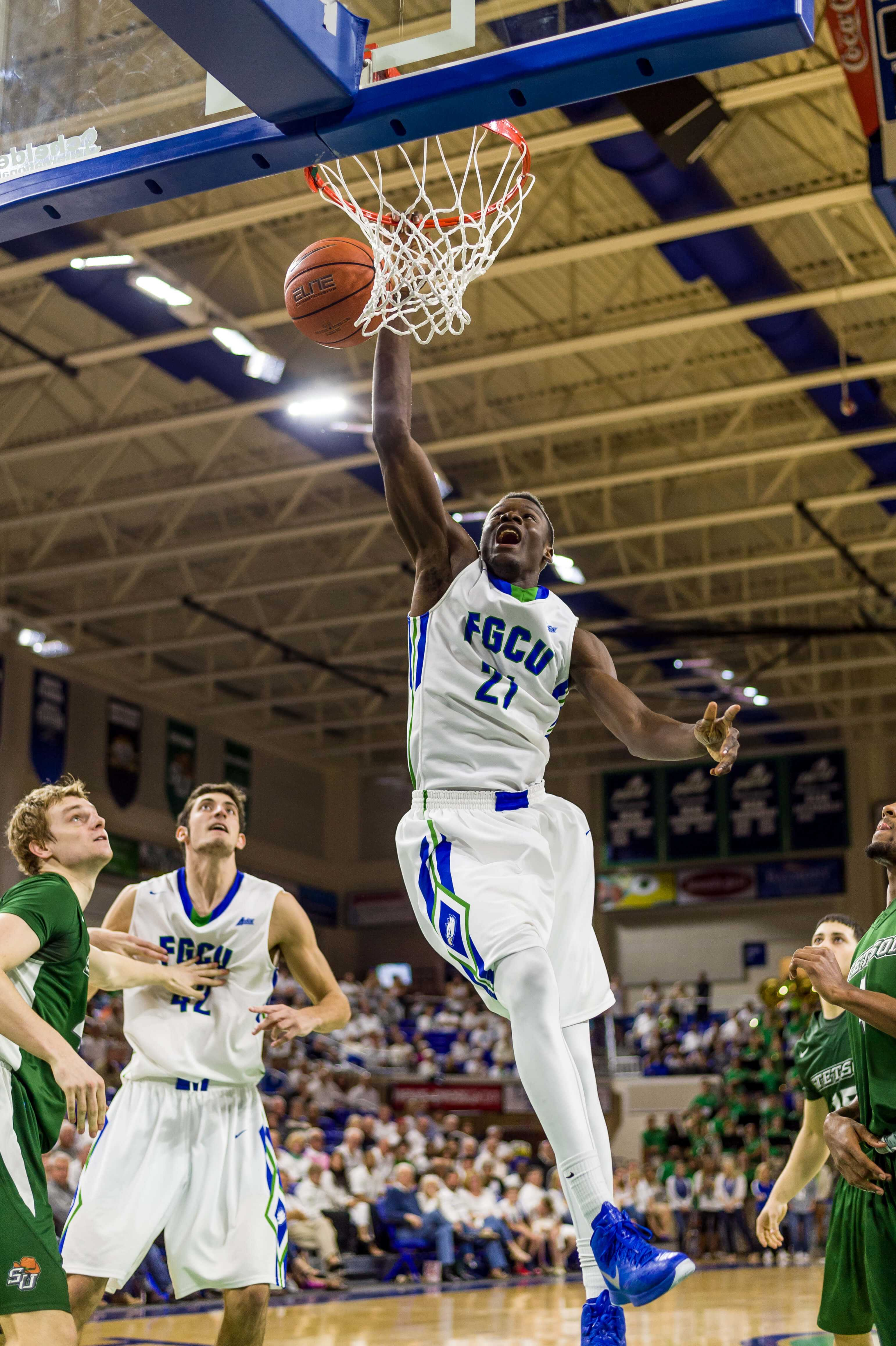 Demetris Morant out of MBB play with stress fracture
