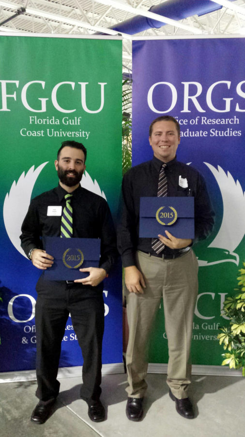 Kyle+Slazyk+%28left%29%2C+the+presidential+award+undergraduate+student+and+Matthew%0AKalies%2C+the+dean%E2%80%99s+award+undergraduate+student+in+the+2015+research+day+at+FGCU.+%28Special+to+Eagle+News%29