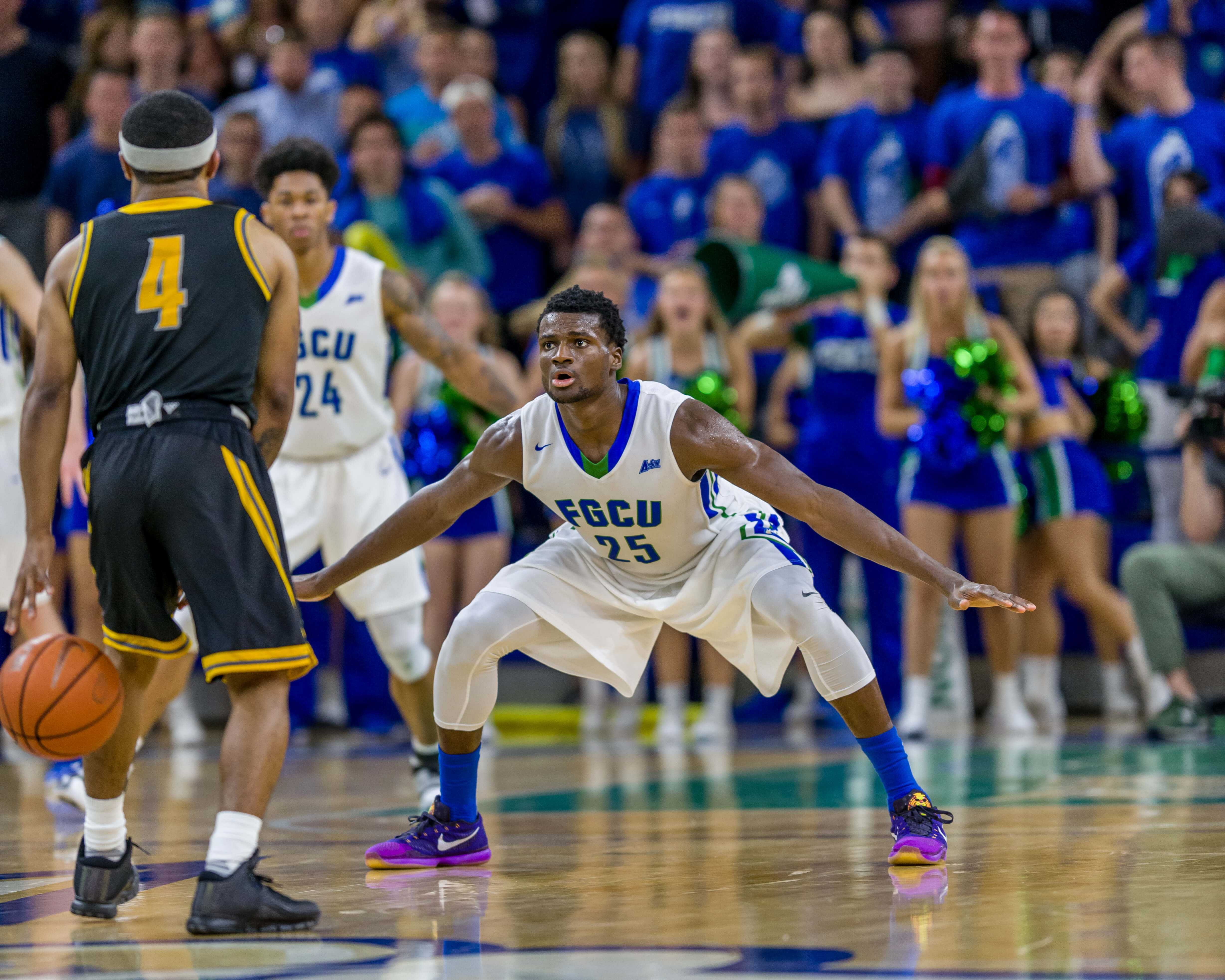 FGCU Eagles claim dramatic victory over Owls