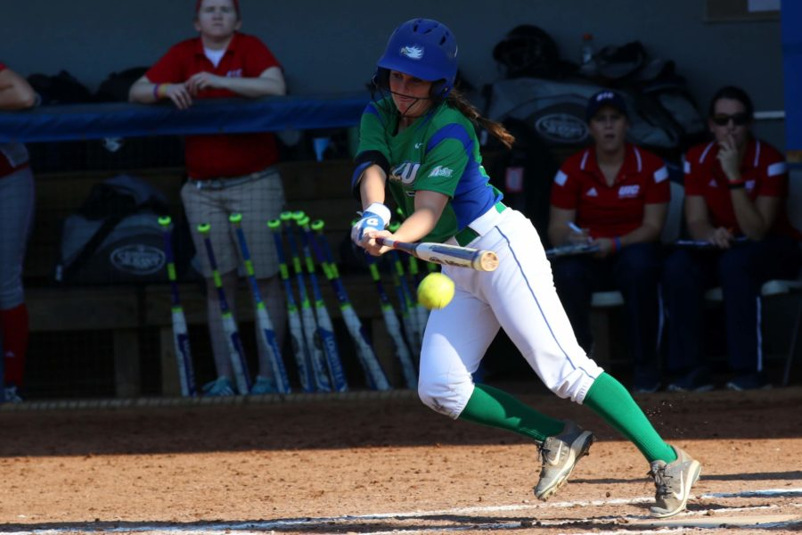 Makensie+McAvoy+hits+the+ball+during+Saturday+afternoons+game+against+Chicago-Illinois+as+part+of+the+FGCU+Kickoff+Classic.+%28EN+Photo+%2F+Kelli+Krebs%29