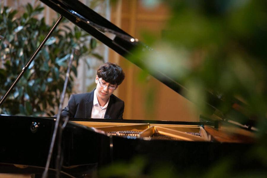 Thirteen-year-old piano sensation to play at FGCU