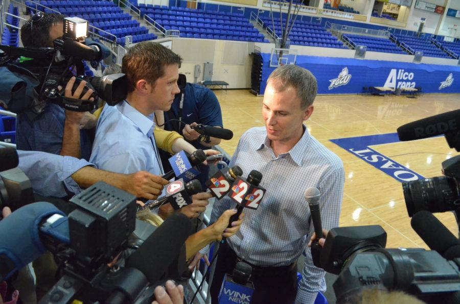Andy Enfield discusses his new coaching position during an interview with local media Tuesday. (EN Photo / Justin Kane)