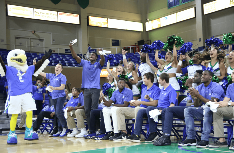 The+team+celebrates+its+NCAA+First+Four+game+selection+at+a+watch+party+hosted+in+Alico+Arena.+%28EN+photo%2FKelli+Krebs%29