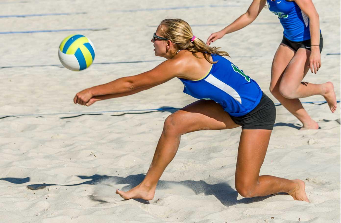 FGCU beach volleyball returns and digs deep
