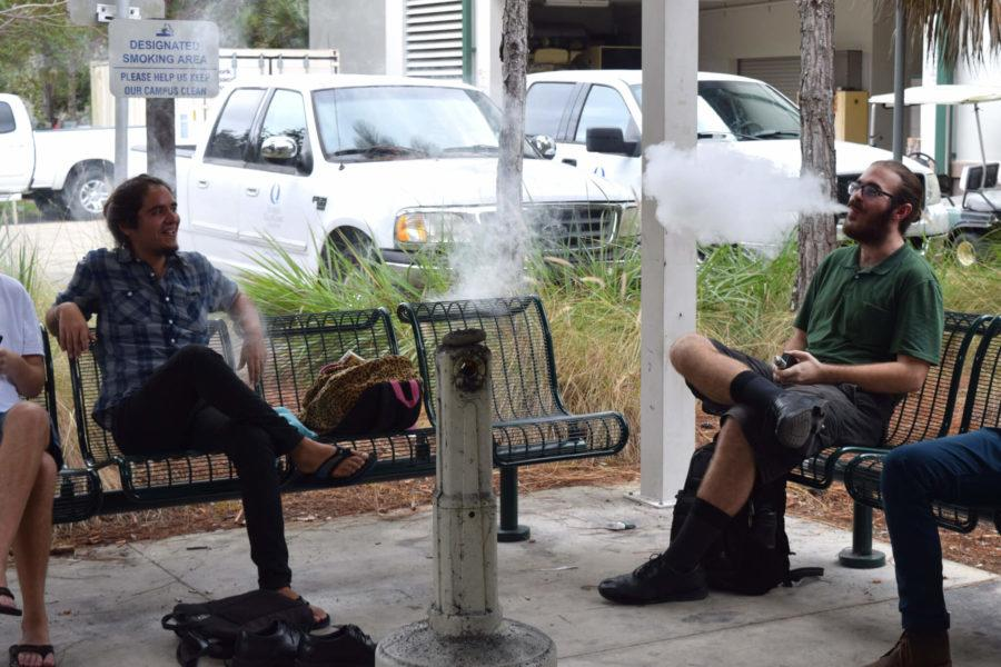 The+recent+elimination+of+the+smokers+section+on+FGCU%E2%80%99s+campus+has+caused+some+controversey+but+overall++is+a+healthier+step+for+non-smokers.%0A%28EN+Photo+%2F+Rachel+Iacovone%29