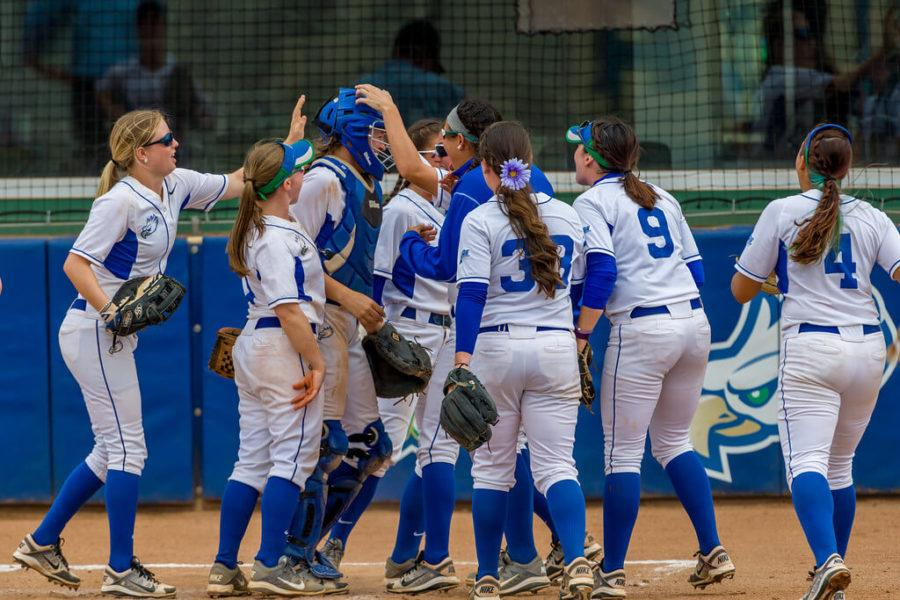 Softball+clinches+first+round+bye+in+A-Sun+Tournament+with+wins+over+JU