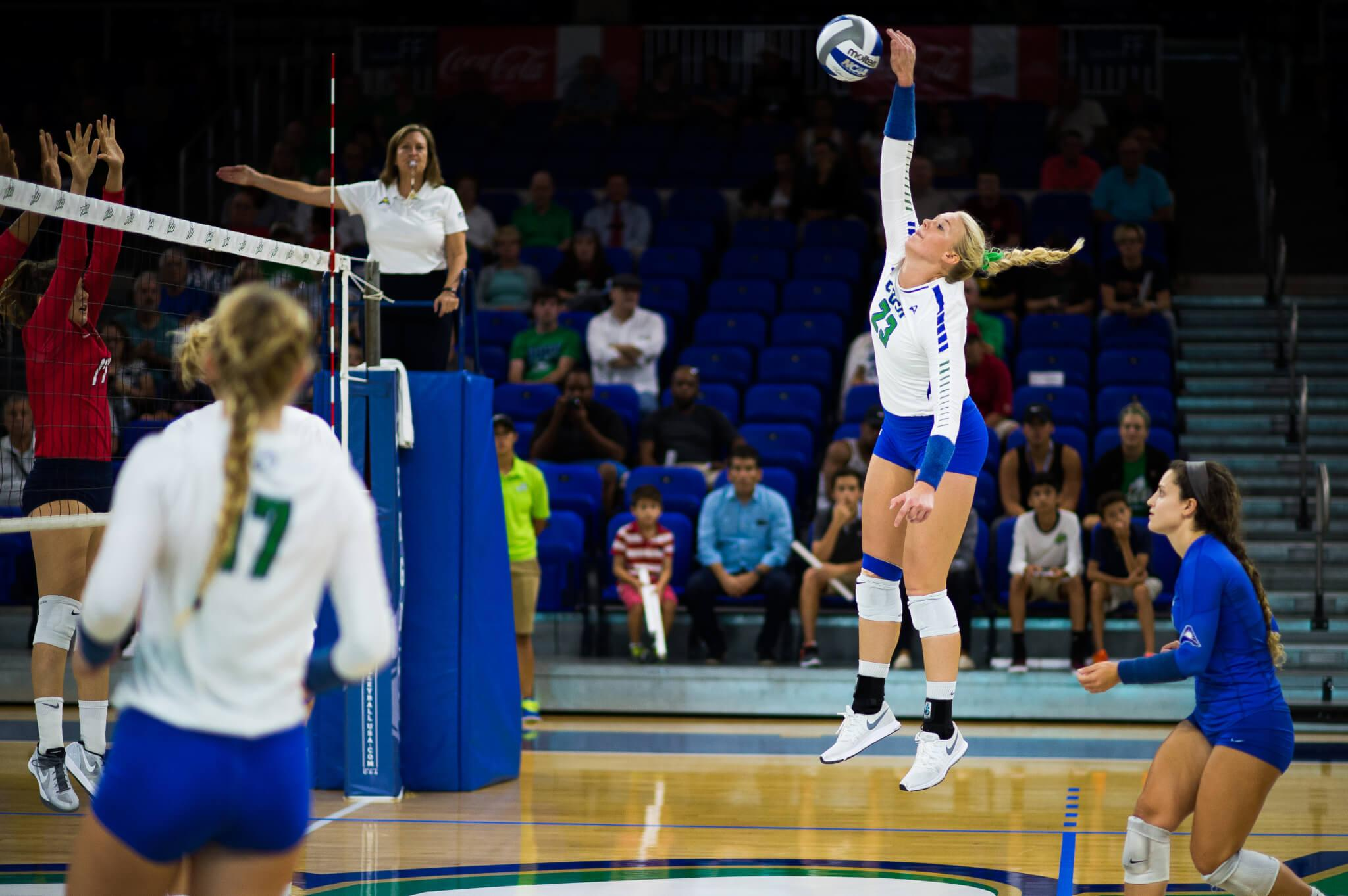 FGCU women' volleyball team matches program best 15 game win streak with 3-0 victory over USC Upstate