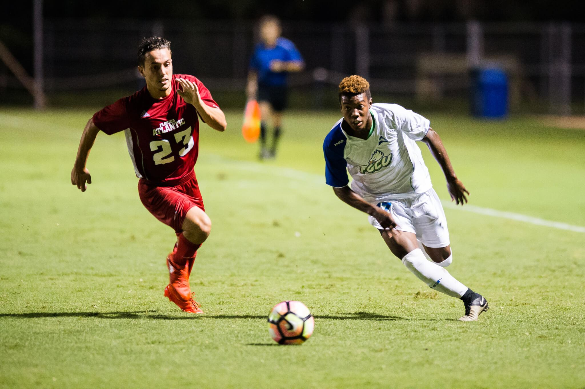 No. 12 men's soccer maintains eight game win-streak with 4-1 victory over FIU