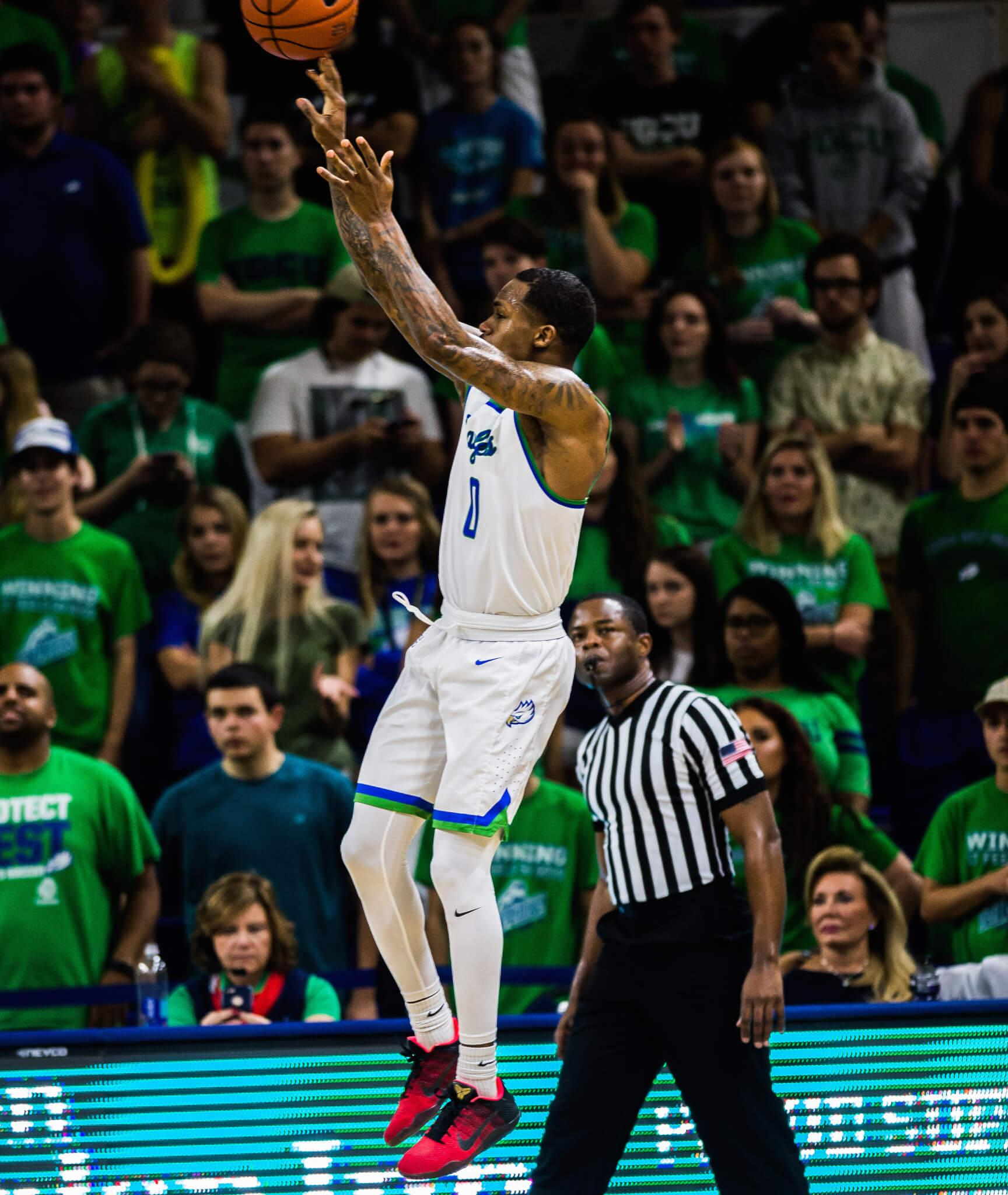 Brandon Goodwin's game winner propels the FGCU men's basketball to the top of the ASUN standings