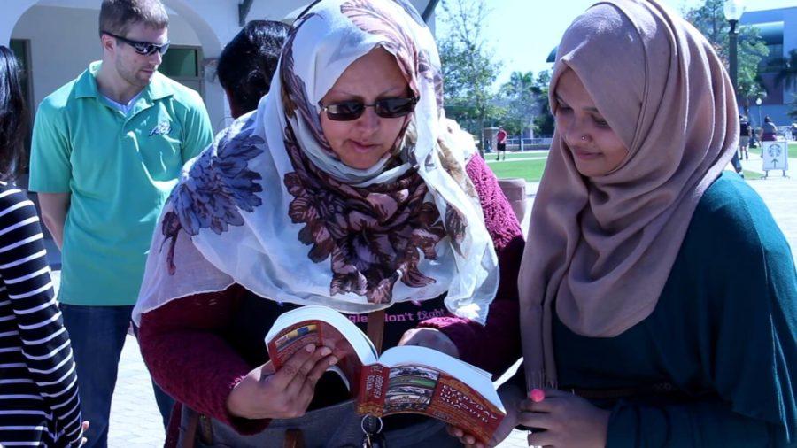 Muslim+Student+Association+hosts+annual+Hijab+Day