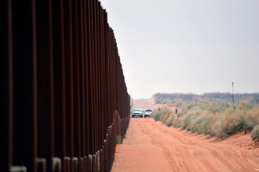 The+wall+along+the+border