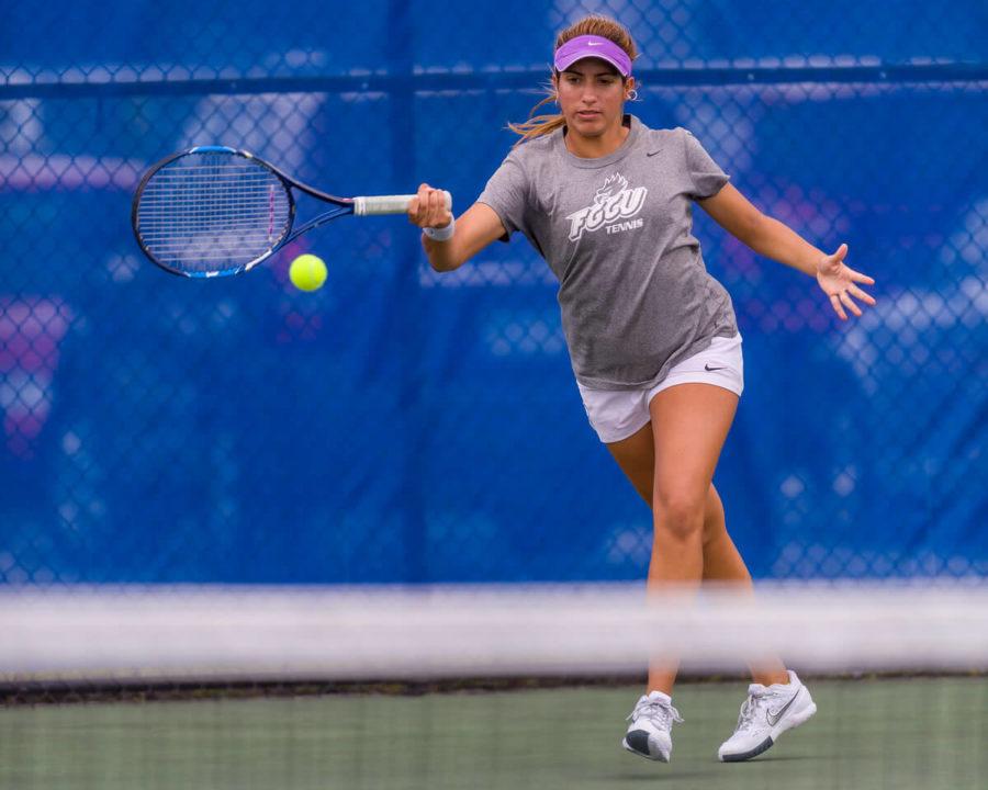 Women%E2%80%99s+tennis+falls+to+%2317+Miami