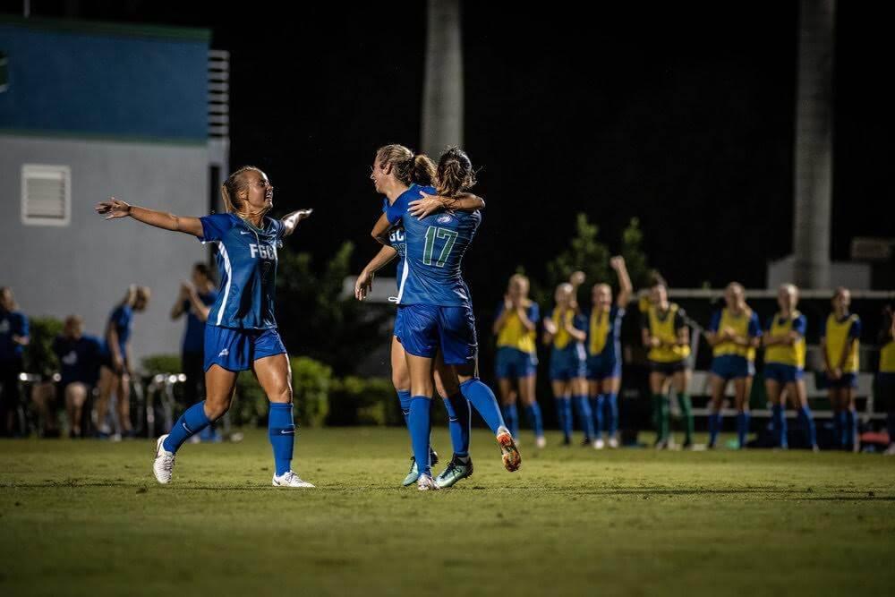 Women's soccer shuts out Niagara to kick off Labor Day weekend