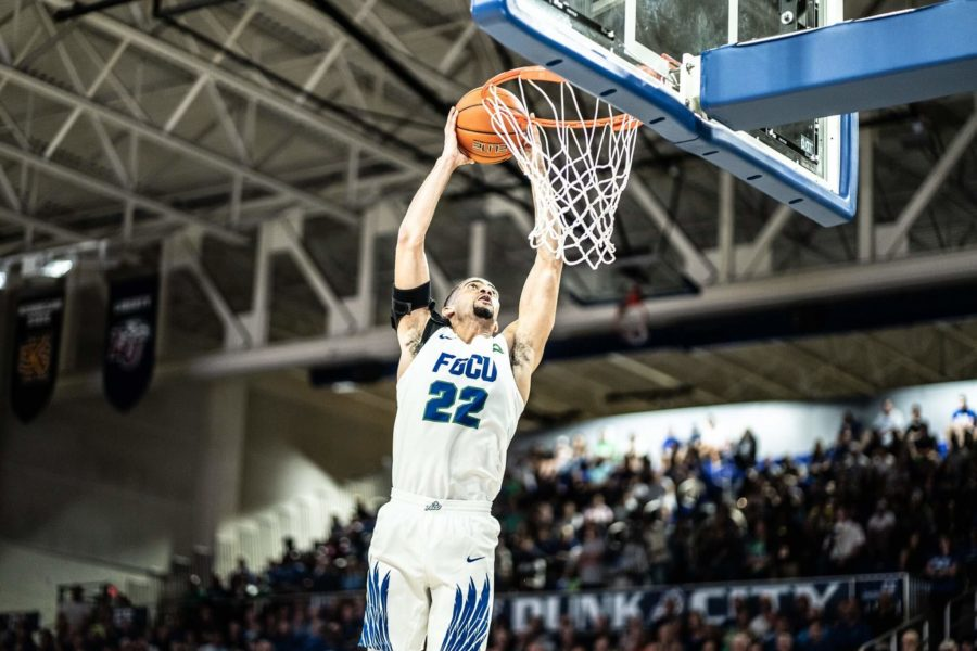 EN+Photo+by+Bret+Munson+%2F%2F+FGCU+men%27s+basketball%27s+Haanif+Cheatham+successfully+dunks+the+ball+at+the+men%27s+basketball+home+opener+against+Southeastern+University.