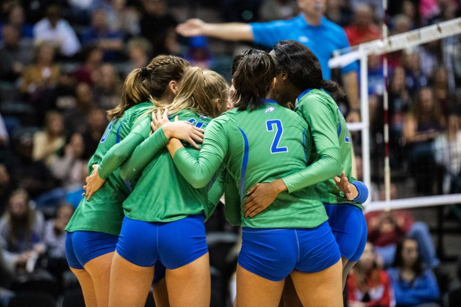 Volleyball+ends+season+with+3-0+loss+to+UF