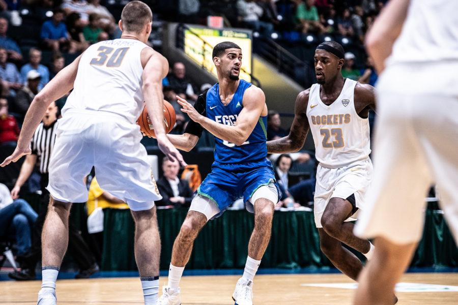 EN Photo by Bret Munson // Haanif Cheatham looks to pass the ball during a tournament game against the University of Toledo on Monday night.