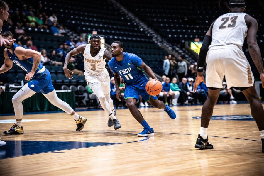 EN Photo by Bret Munson // FGCU mens basketballs Schadarac Casimir heads down the court in a game against the University of Toledo in the first round of the Gulf Coast Showcase.