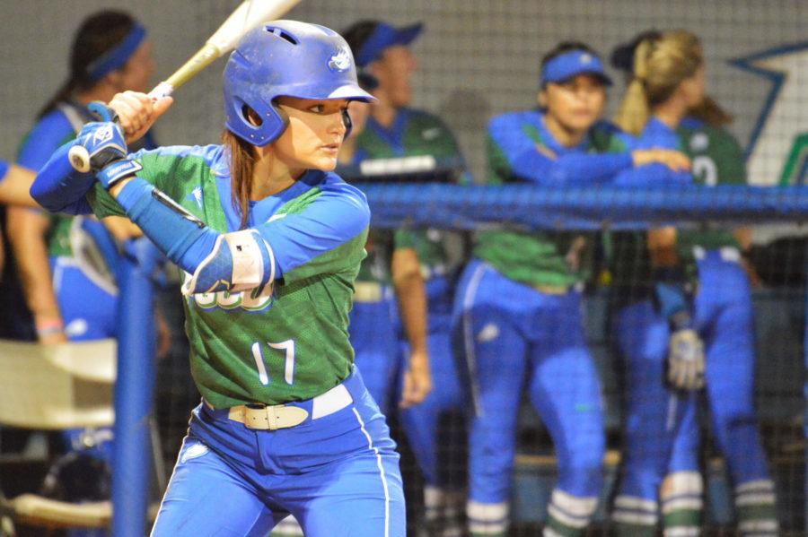 Softball+home+opener+begins+with+double-header+wins