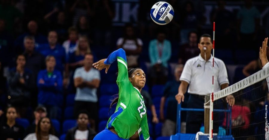 Photo+Provided+by+FGCU+Athletics+%2F%2F+Tori+Morris+led+the+Green+and+Blue+with+10+kills+as+they+swept+North+Alabama+3-0+on+the+road+early+Sunday+afternoon.+With+this+win%2C+the+Eagles+take+sole+possession+of+first+place+atop+the+ASUN+conference.+