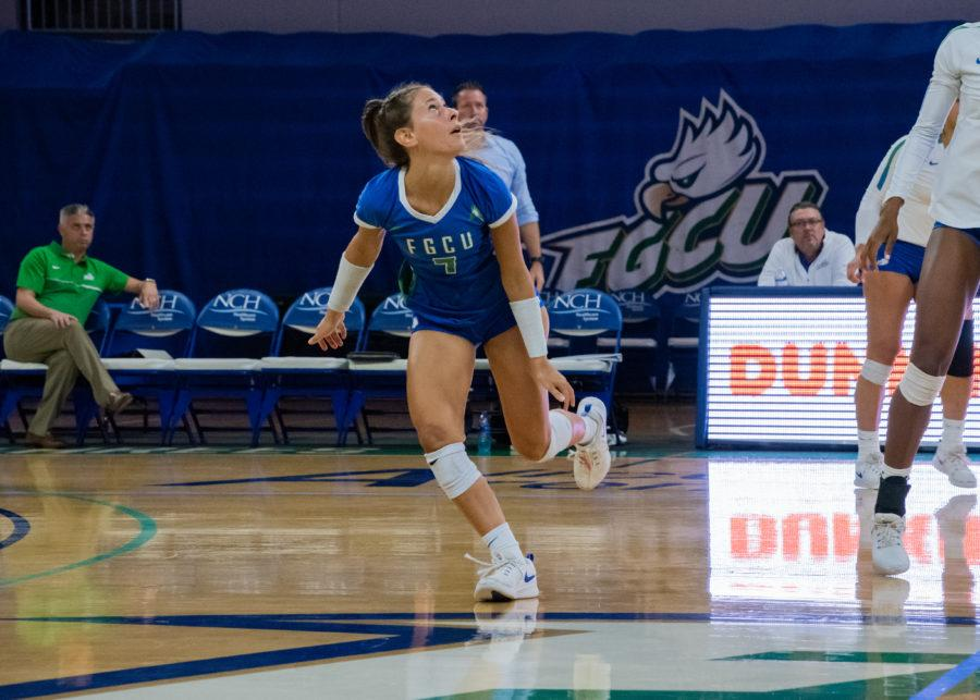 EN+Photo+by+Julia+Bonavita+%2F%2F+FGCU+pushes+their+winning+streak+to+eight+after+sweeping+NJIT+at+home+on+Saturday+night.+Dana+Axner+continues+her+impressive+season+as+she+is+17+digs+away+from+becoming+the+first+sophomore+in+FGCUs+Division+I+history+to+reach+1%2C000+career+digs.+