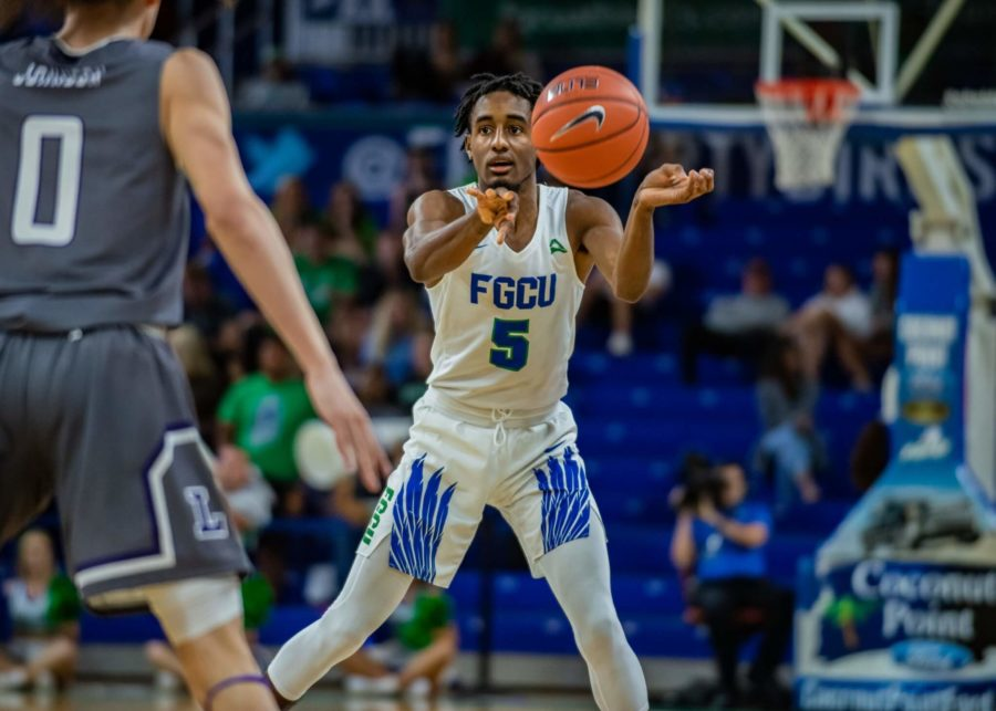 EN Photo by Julia Bonavita // Jalen Warren scored eight of his 16 points in overtime which proved vital to the Eagles in their 66-62 victory over Stetson.