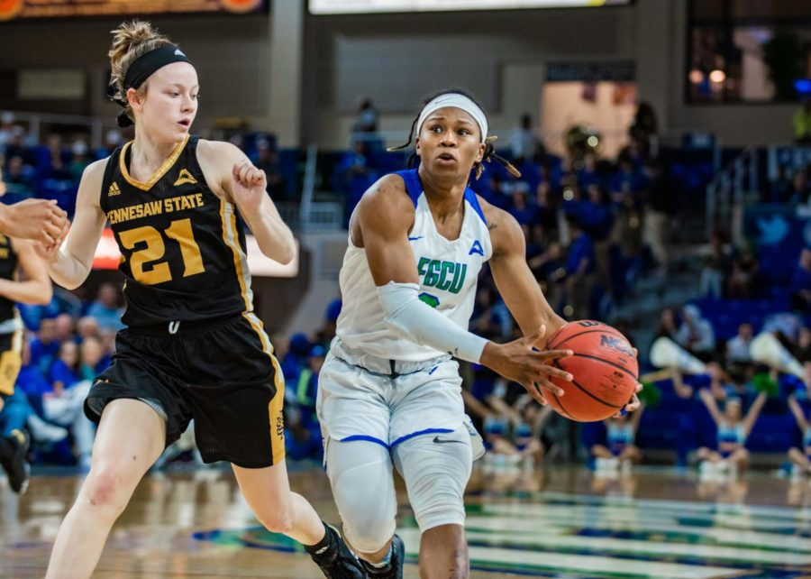EN Photo by Julia Bonavita // Keri Jewett-Giles went off for 25 points in the Eagles 89-64 victory against KSU. With this victory, the FGCU women's basketball team clinched it's 10th ASUN regular-season title.