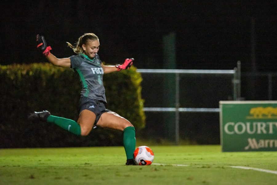Blue+Came+Out+On+Top+In+FGCU+Womens+Intrasquad+Scrimmage%3B+EN+Photo+by+Julia+Bonavita